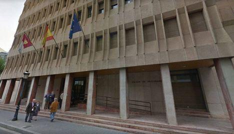 Una madre se enfrenta a 160 días de trabajo para la comunidad por golpear con un cable a sus hijos en Almansa (Albacete)