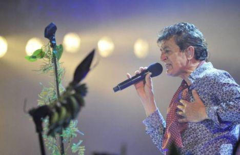 Manolo García llenó la Plaza de Toros para despedir el Festival de Albacete