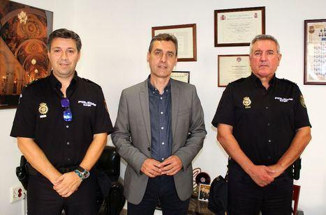 El subdelegado del Gobierno pone como ejemplo de colaboración las excelentes relaciones entre los cuerpos y fuerzas de seguridad en Hellín