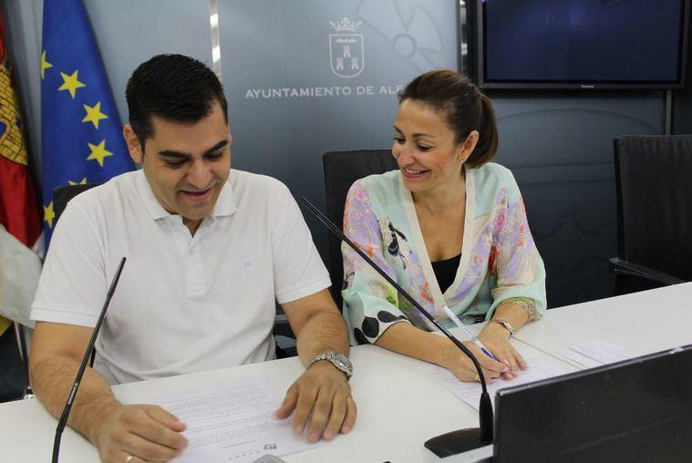 """La concejalía de Turismo promociona la nueva App """"Aventuras por Albacete"""" que a través de pruebas y acertijos hará al ciudadano recorrer distintos puntos de la ciudad"""
