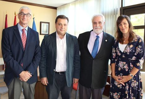 El alcalde agradece a las personas mayores su gran contribución al desarrollo de Albacete y su legado para afrontar un futuro más esperanzador