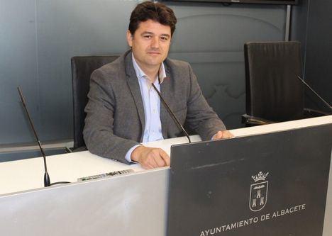 El Ayuntamiento de Albacete destinará 30.000 euros a sufragar los desplazamientos en taxi de las personas con discapacidad