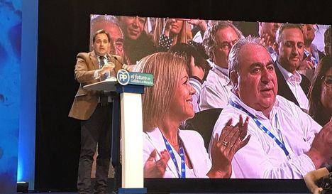 Núñez pide el voto a los compromisarios defendiendo que cree en la política como mejor forma para mejorar la sociedad