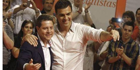García-Page mantiene este lunes en el Palacio de la Moncloa su primera reunión oficial con Pedro Sánchez