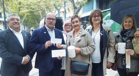 AMAC coloca 19 mesas informativas por el Día Contra el Cáncer de Mama en Albacete con más de 400 mujeres voluntarias