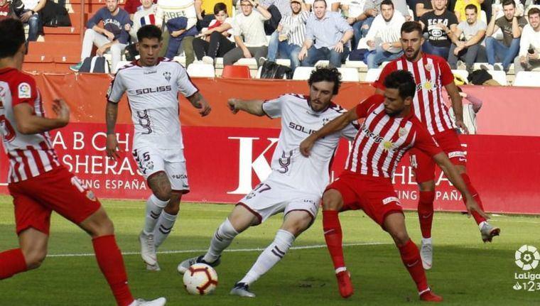 1-1. El Albacete sumó un punto tras jugar 81 minutos con uno menos por expulsión de Caro