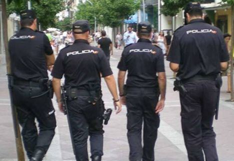 Detenido un hombre en Albacete que empujó a una mujer, la hizo caer al suelo y robó su bolso