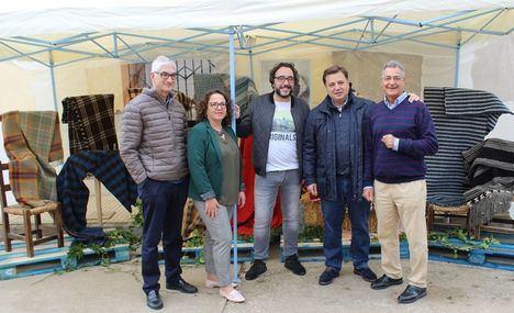 Manuel Serrano destaca la importancia de conservar las tradiciones durante la celebración del XXXI Festival de la Rosa del Azafrán de la pedanía de Santa Ana