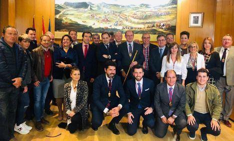Toma de posesión de Javier Sánchez como alcalde de Almansa en sustitución de Paco Núñez que asistió al acto
