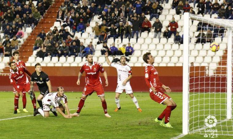 2-0. El Albacete gana con claridad al Nástic