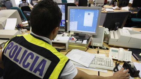 Un detenido en Albacete por estafar a una persona con la venta de un objetivo fotográfico por Internet