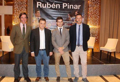 Alberto García y Dávila Miura, son los nuevos apoderados del torero albaceteño Rubén Pinar