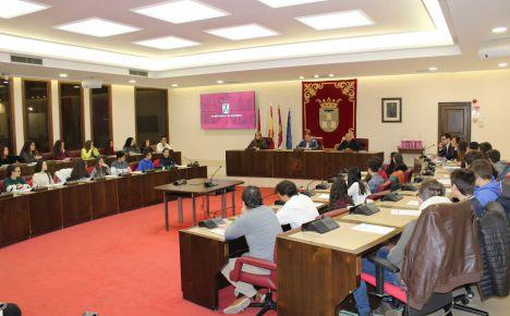 Serrano apuesta por que se escuche la voz de los vecinos de Albacete para hacer mejor ciudad