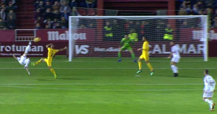2-1. El Albacete tumba al líder en un buen partido y con golazo de Eugeni