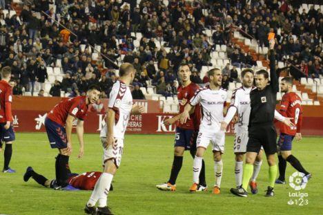2-2. Albacete y Osasuna empatan en un partido vibrante con expulsiones de Zozulia y Arroyo