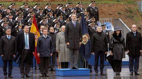 El Rey Felipe VI alaba la entrega, sacrificio y riesgo del GEO en su 40 aniversario