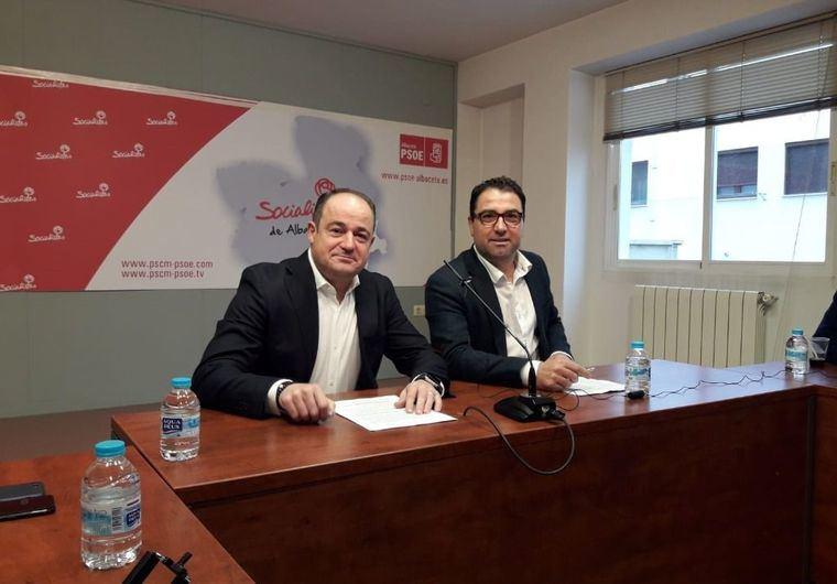 Emilio Sáez del PSOE tacha a Manuel Serrano de 'muy mal gestor' y apela a que Albacete 'necesita un cambio' que él no puede ofrecer