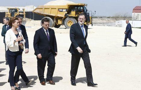 El alcalde reclama que el Gobierno mantenga los compromisos adquiridos por el anterior Ejecutivo de la Autovía a Linares