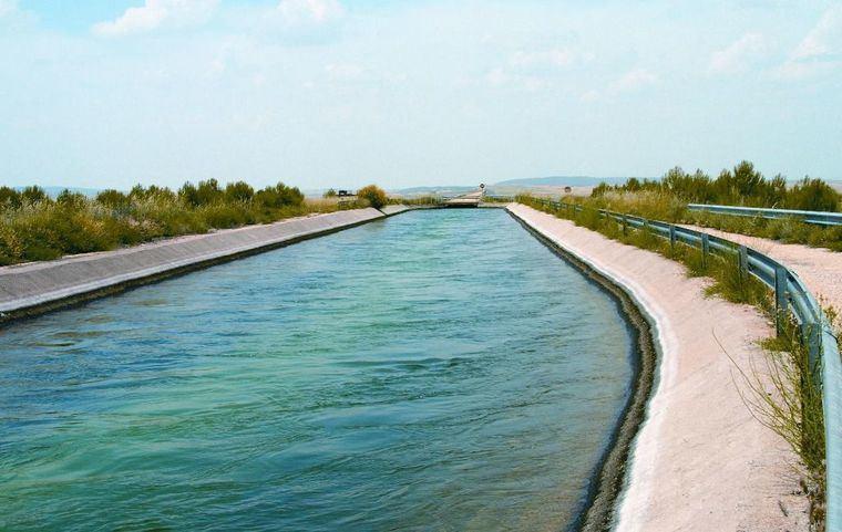 González Ramos sigue apostando por políticas de agua a medio plazo y por la desalación para reducir trasvases