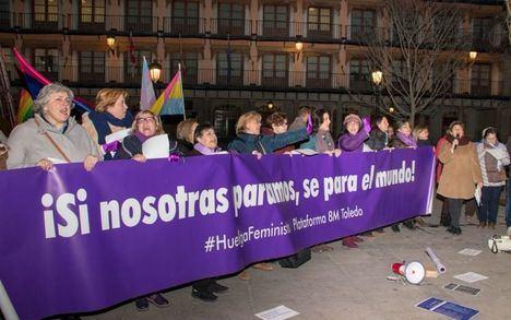 Cientos de personas se suman en la región a la convocatoria feminista andaluza ante la 'involución' tras la irrupción de Vox