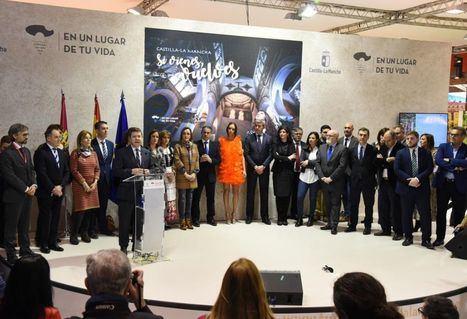 El presidente García-Page compromete en Fitur la creación de otros diez mil puestos de trabajo en el sector turístico de Castilla-La Mancha