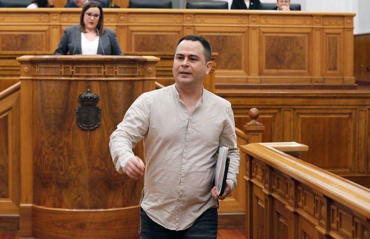 Podemos anuncia la apertura de expediente disciplinario al diputado 'traidor' David Llorente