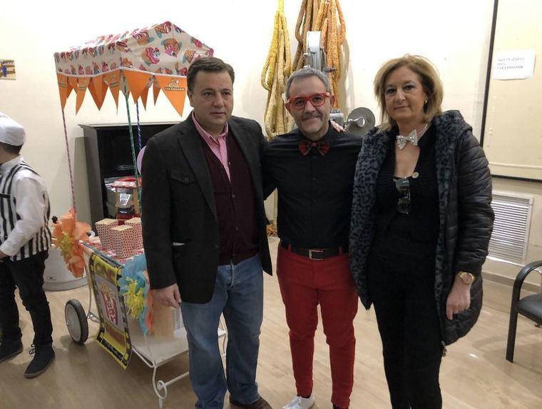"""El alcalde Manuel Serrano asiste al estreno del Musical """"Los Guachis Retro"""", dentro de los actos del Día Internacional del Niño con Cáncer"""