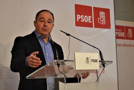 """El candidato Emilio Sáez plantea varias medidas para aprovechar el talento femenino y procurar la """"máxima igualdad"""""""
