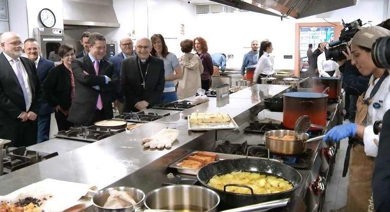 El presidente García-Page visita en Albacete la Escuela de Hostelería 'El Sembrador' de Caritas