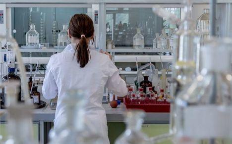 La Gerencia de Albacete convoca tres ayudas para proyectos de investigación en Biomedicina dotadas de 9.000 euros