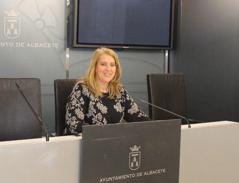 Llanos Navarro presenta la II edición de los Premios a la Participación Ciudadana y Democracia Participativa del Ayuntamiento de Albacete