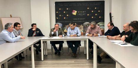 Emilio Sáez expone a los empresarios de Hostelería el proyecto de organizar un Festival Internacional para San Juan