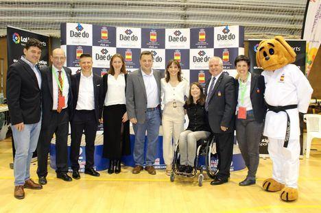 Manuel Serrano agradece a la Real Federación Española de Kárate que haya apostado por Albacete para celebrar el 41º Campeonato nacional de Kárate Infantil