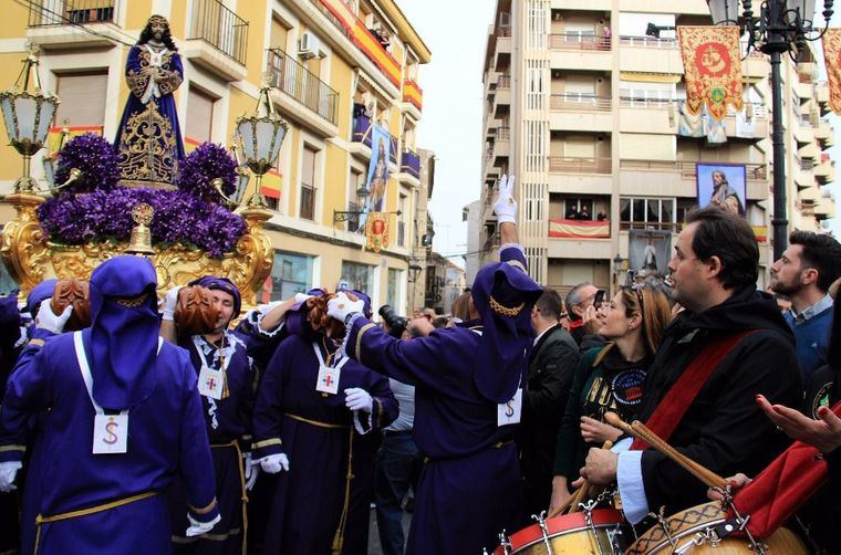 Paco Núñez subraya la necesidad de continuar trabajando para conservar y promover tradiciones como las tamboradas