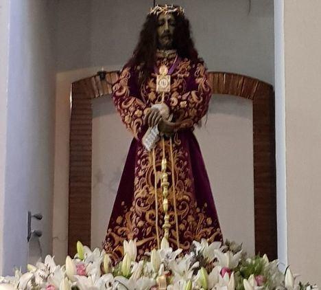 Gran afluencia de público y de penitentes en la Procesión del Cristo de Medinaceli en Albacete