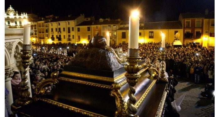 El Santo Entierro, la cuarta procesión suspendida por la lluvia en Cuenca