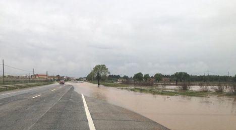 Cortado el acceso a Albacete por la carretera de Valencia al producirse inundaciónes tras las lluvias caídas