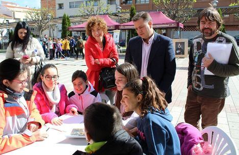Manuel Serrano apuesta por seguir fomentando la lectura entre los niños y jóvenes albaceteños