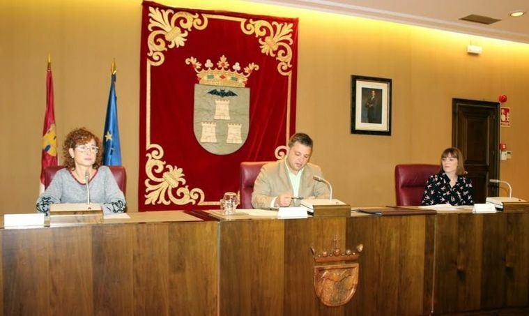 """Manuel Serrano afirma que el diálogo y el acuerdo alcanzado han presidido el Ayuntamiento de Albacete que es """"un espejo para la gran mayoría de municipios españoles"""""""