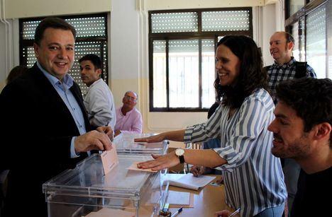 Manuel Serrano anima a los ciudadanos a participar en la