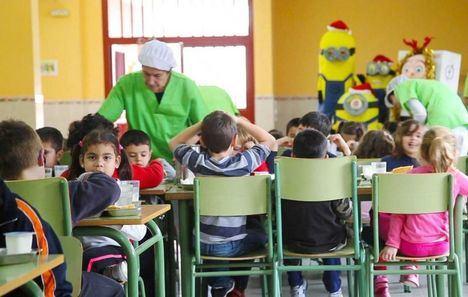 Las familias de Castilla-La Mancha podrán solicitar a partir de este miércoles ayudas para libros de texto y comedor