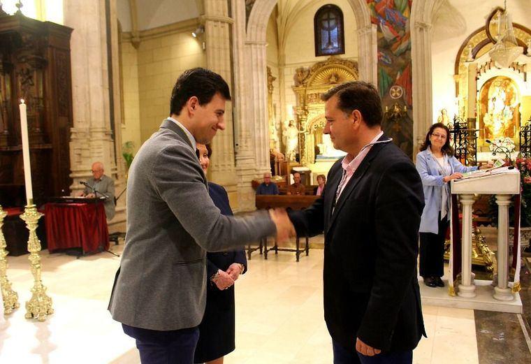El Alcalde de Albacete, Manuel Serrano es nombrado socio de la Real Asociación de Nuestra Señora María Santísima de los Llanos junto a otros 76 albaceteños