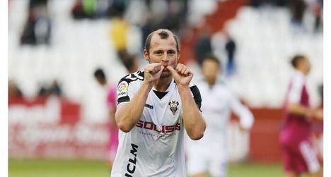 El jugador del Albacete, Zozulia, anuncia una demanda a Pablo Iglesias por llamarle neonazi