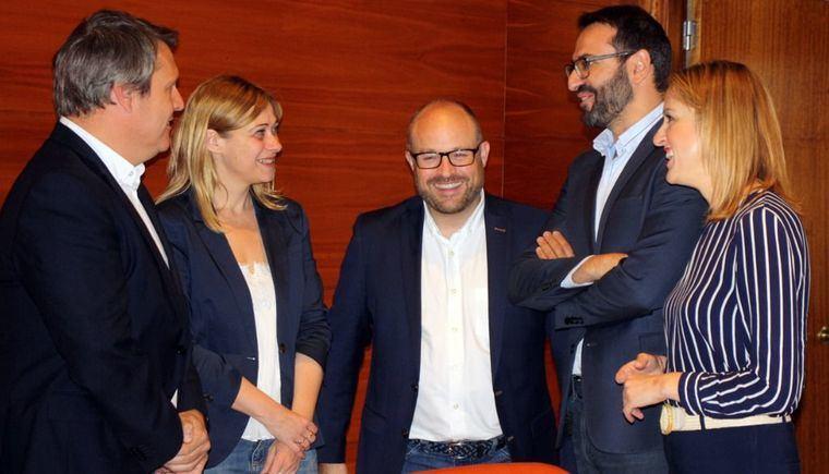 El PSOE defiende el acuerdo con Ciudadanos porque impide a Vox entrar en los ayuntamientos
