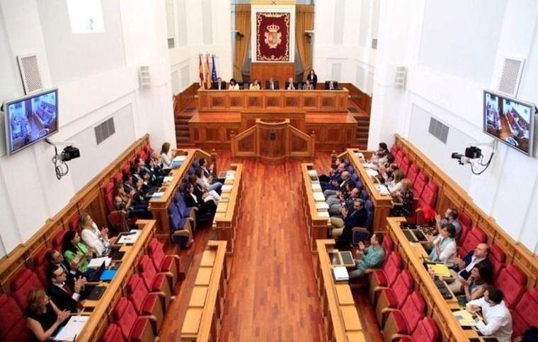 Arranca la X Legislatura en la región, con mayoría absoluta del PSOE y la llegada de Ciudadanos