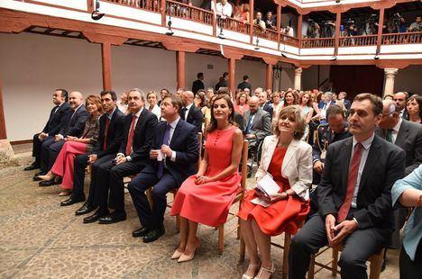 La reina Letizia entrega premios al compromiso por la inclusión de los discapacitados en Almagro