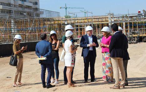 Vicente Casañ celebra el buen ritmo de las obras del nuevo colegio del barrio de Imaginalia