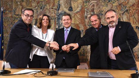 El presidente García-Page firma con los agentes sociales y económicos el nuevo Pacto por Castilla-La Mancha