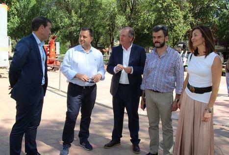 Manuel Serrano agradece a los 130 trabajadores del servicio de zonas verdes la gran labor diaria que realizan en Albacete