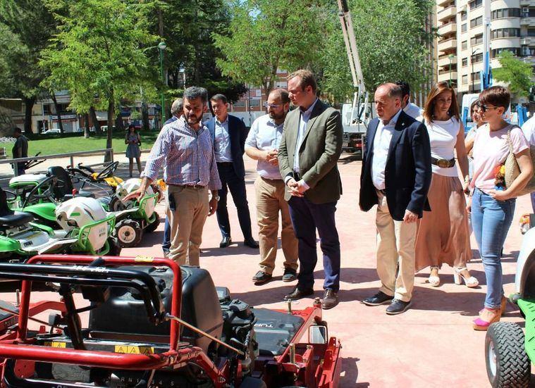 Los nuevos equipos de mantenimiento de las zonas verdes de Albacete, harán menos ruido y emitirán menos CO2